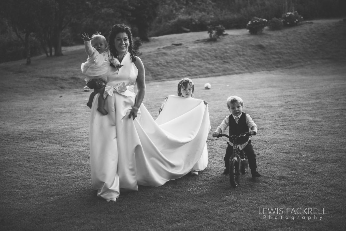 Lewis-Fackrell-Photography-Wedding-Photographer-Cardiff-Swansea-Bristol-Newport-Pre-wedding-photoshoot-Rhian-Mark-Mansion-House-Llansteffan-Carmarthenshire--127