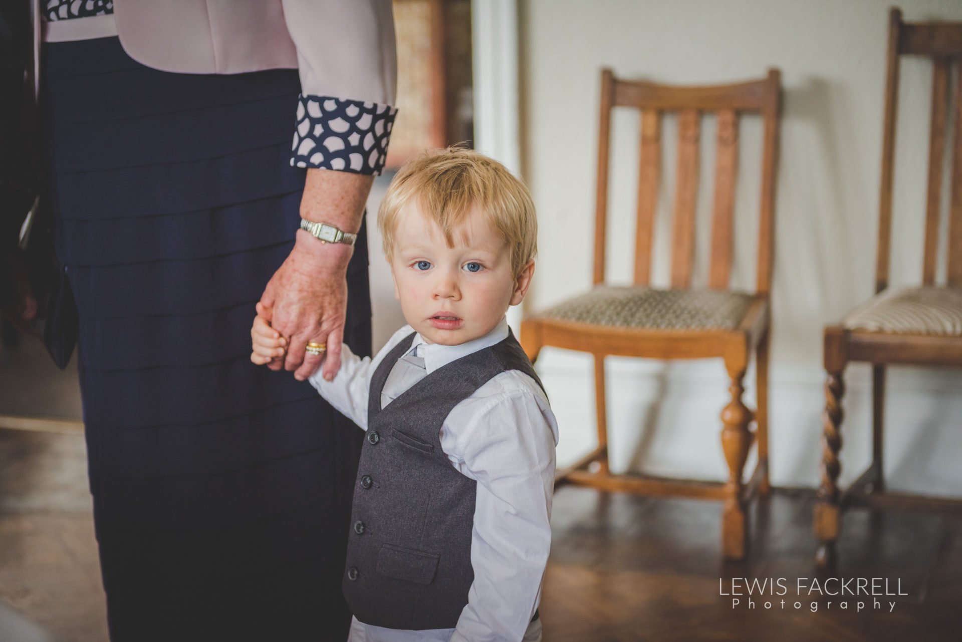 Lewis-Fackrell-Photography-Wedding-Photographer-Cardiff-Swansea-Bristol-Newport-Pre-wedding-photoshoot-Rhian-Mark-Mansion-House-Llansteffan-Carmarthenshire--34