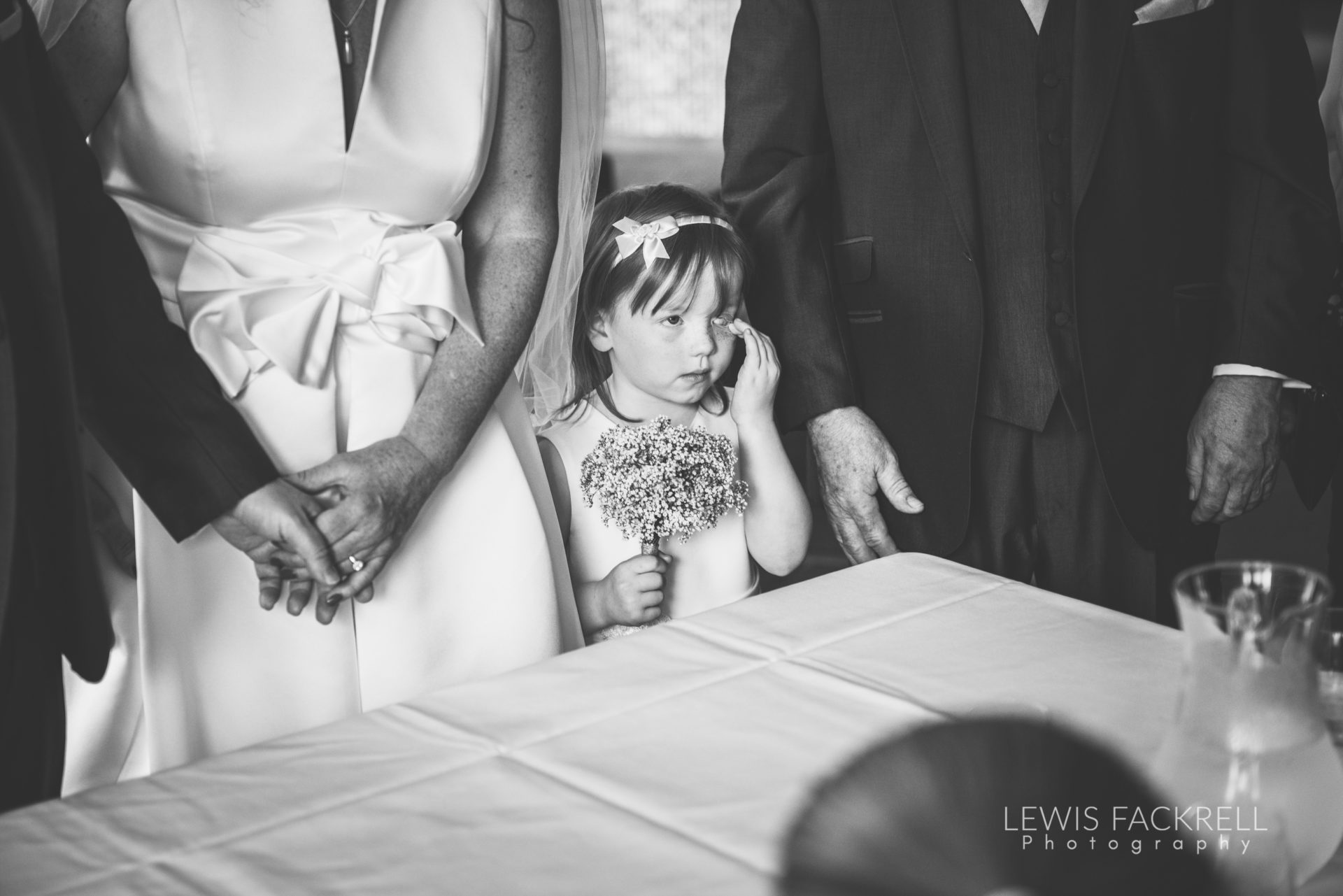 Lewis-Fackrell-Photography-Wedding-Photographer-Cardiff-Swansea-Bristol-Newport-Pre-wedding-photoshoot-Rhian-Mark-Mansion-House-Llansteffan-Carmarthenshire--36