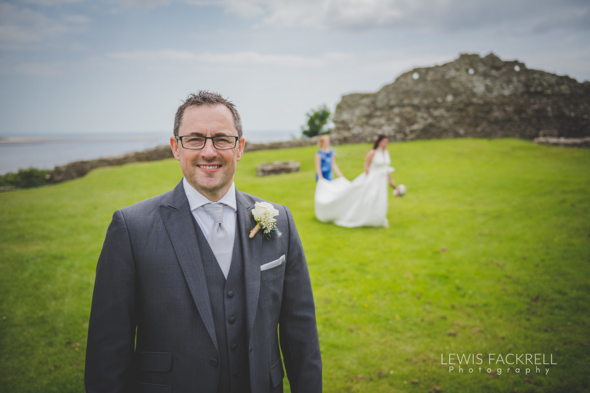 Lewis-Fackrell-Photography-Wedding-Photographer-Cardiff-Swansea-Bristol-Newport-Pre-wedding-photoshoot-Rhian-Mark-Mansion-House-Llansteffan-Carmarthenshire--65