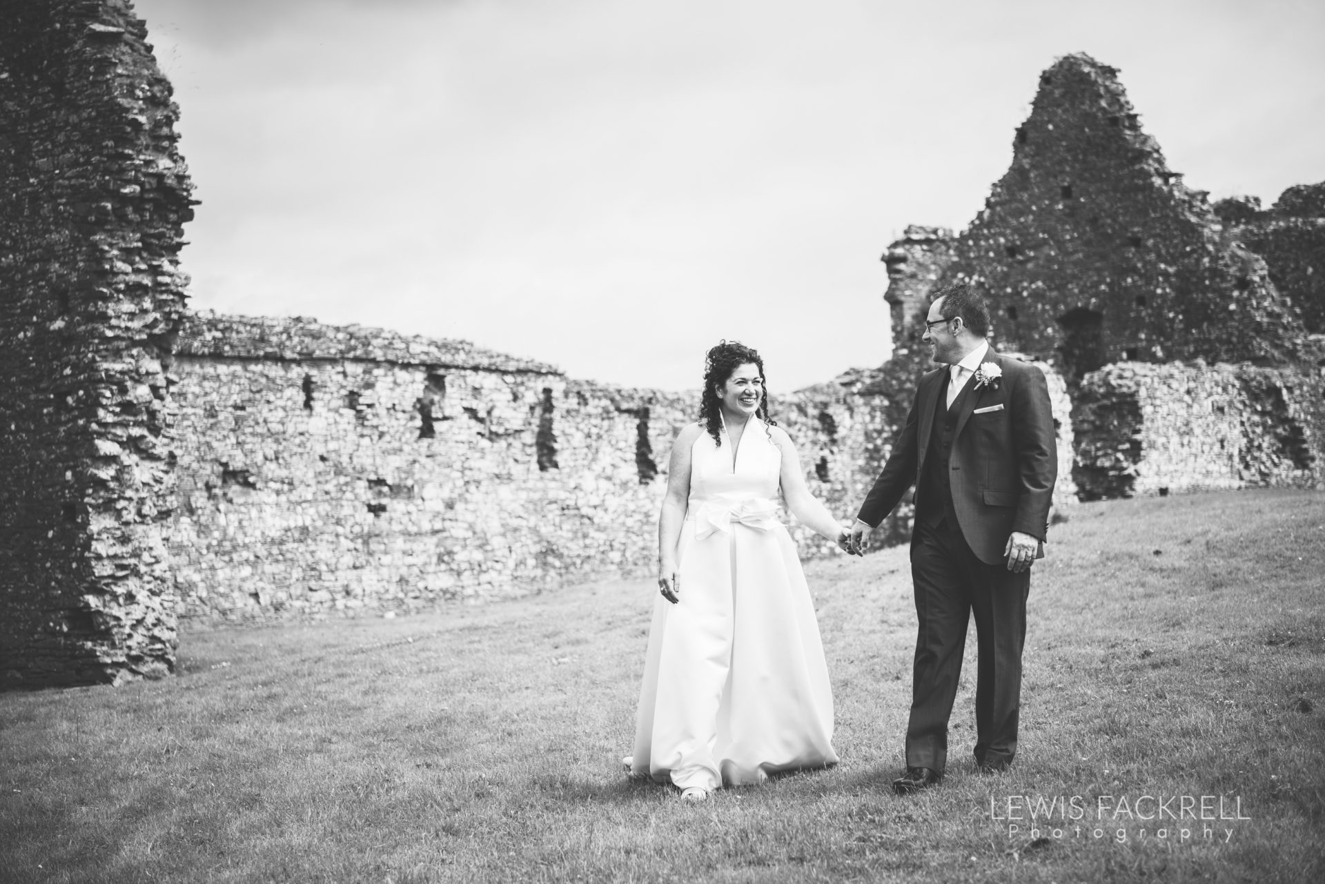 Lewis-Fackrell-Photography-Wedding-Photographer-Cardiff-Swansea-Bristol-Newport-Pre-wedding-photoshoot-Rhian-Mark-Mansion-House-Llansteffan-Carmarthenshire--67