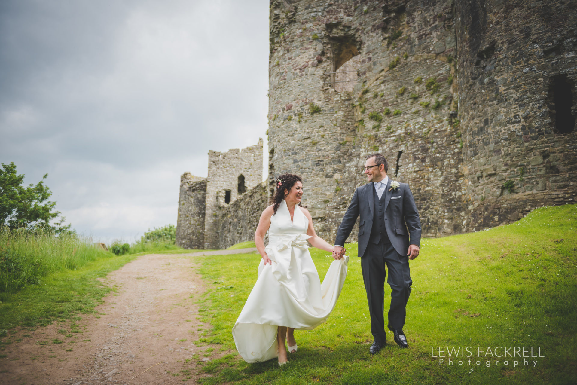 Lewis-Fackrell-Photography-Wedding-Photographer-Cardiff-Swansea-Bristol-Newport-Pre-wedding-photoshoot-Rhian-Mark-Mansion-House-Llansteffan-Carmarthenshire--69