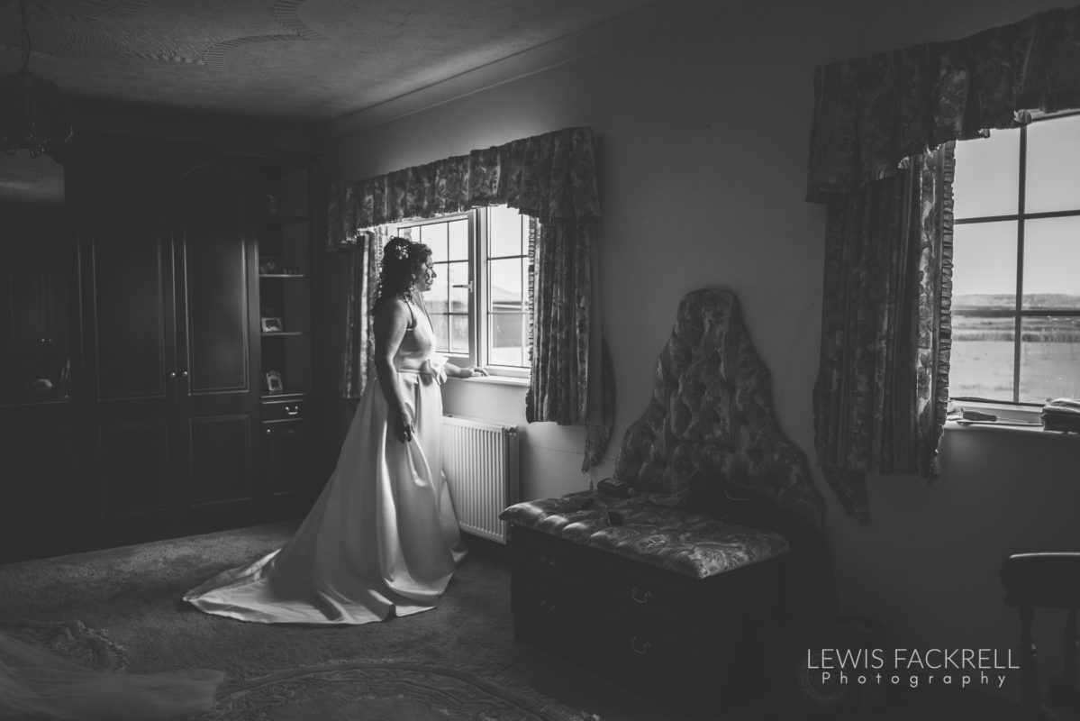 Lewis-Fackrell-Photography-Wedding-Photographer-Cardiff-Swansea-Bristol-Newport-Pre-wedding-photoshoot-Rhian-Mark-Mansion-House-Llansteffan-Carmarthenshire--8