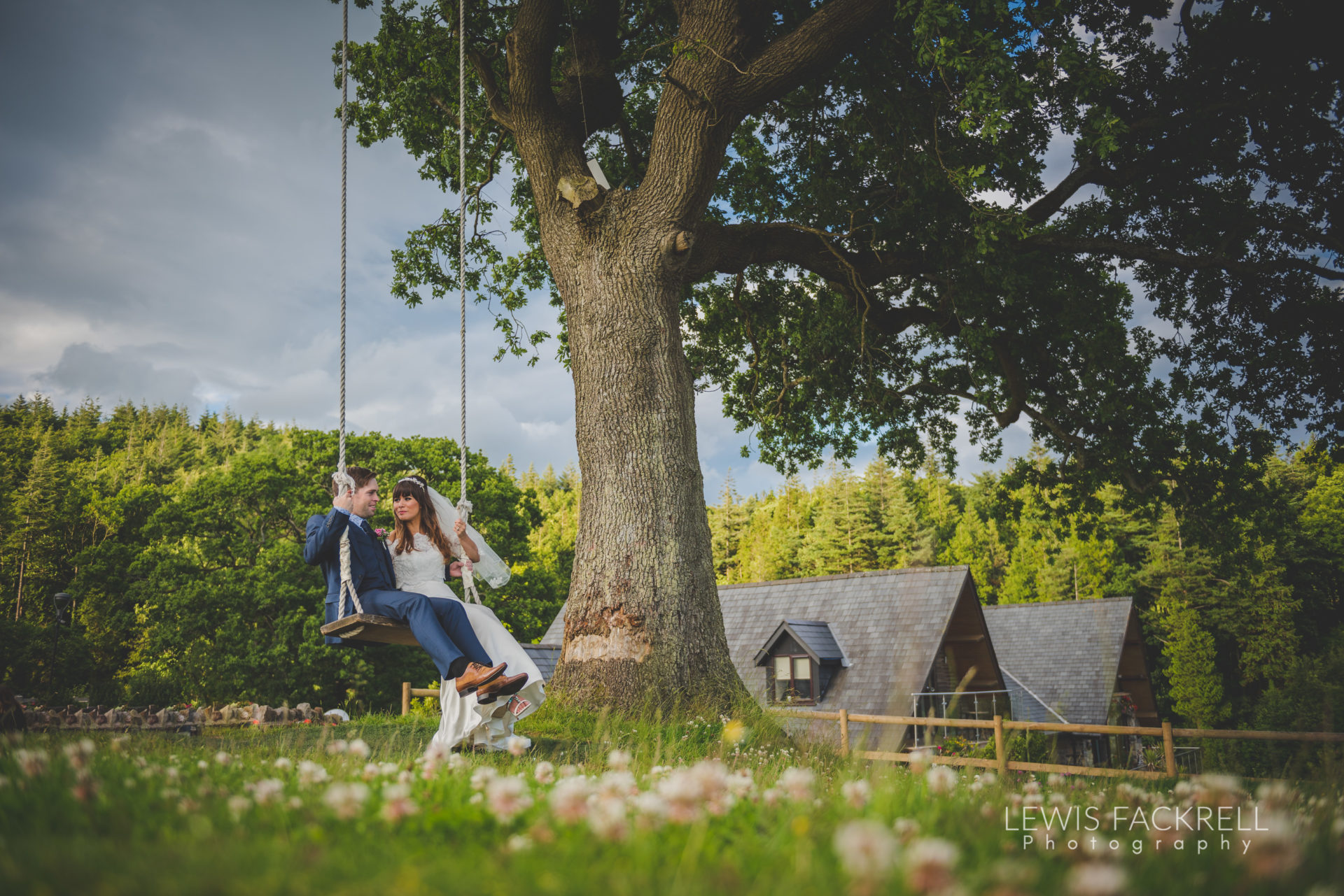 Lewis-Fackrell-Photography-Wedding-Photographer-Cardiff-Swansea-Bristol-Newport-Pre-wedding-photoshoot-cerian-dan-canada-lake-lodge-llantrisant--96