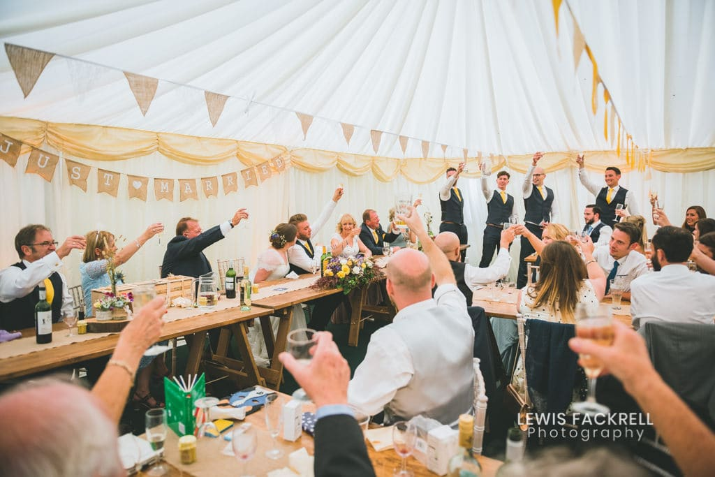 seating your guests at your wedding toast